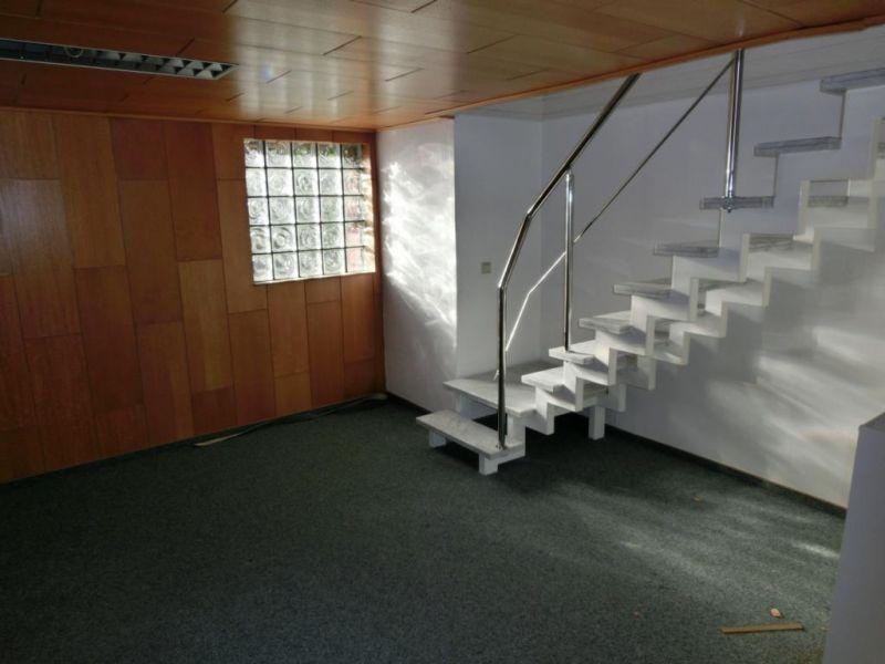 ger umige b rofl che mit lagerhalle stellpl tzen zu vermieten emden niedersachsen d z. Black Bedroom Furniture Sets. Home Design Ideas